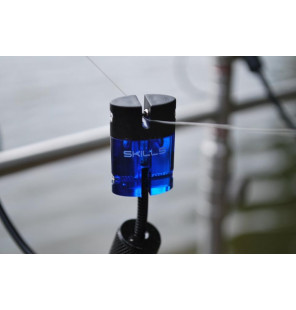 Skills LED Illuminated Hanger Blue Skills Bissanzeiger & Bobbins